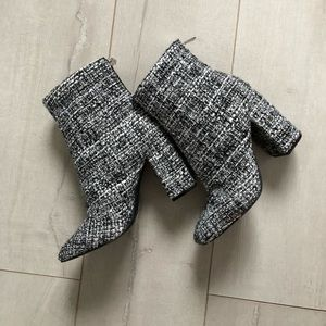 Houndstooth Pattern Booties